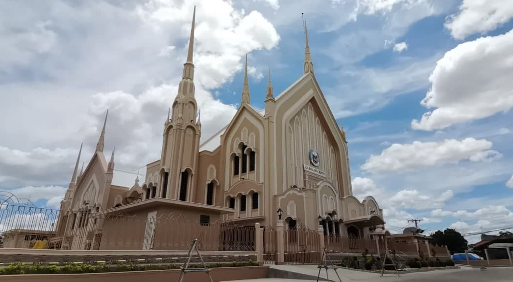 Executive Minister leads dedication of Cauayan City house of worship, ordains 16 new ministers